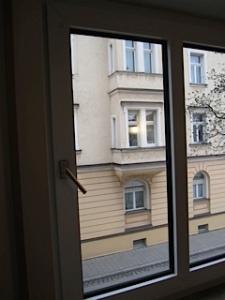 window - closed