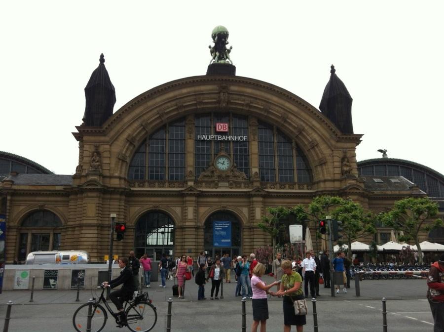 This is the main Frankfurt Bahnhof.  It's enormous inside.