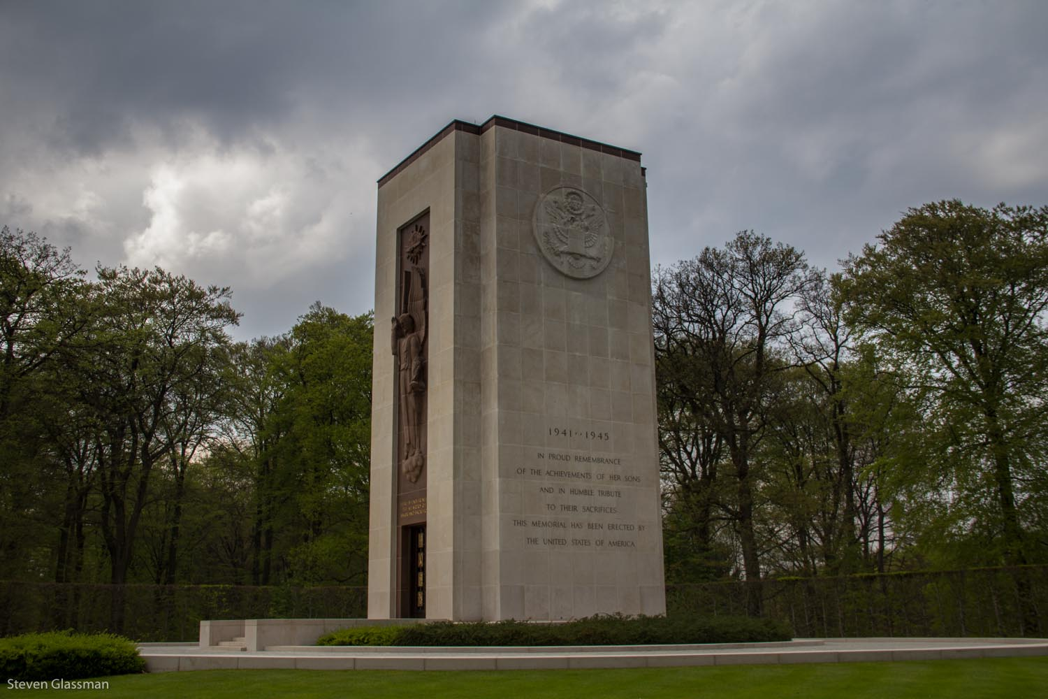 luxembourg-military-cemetery-2