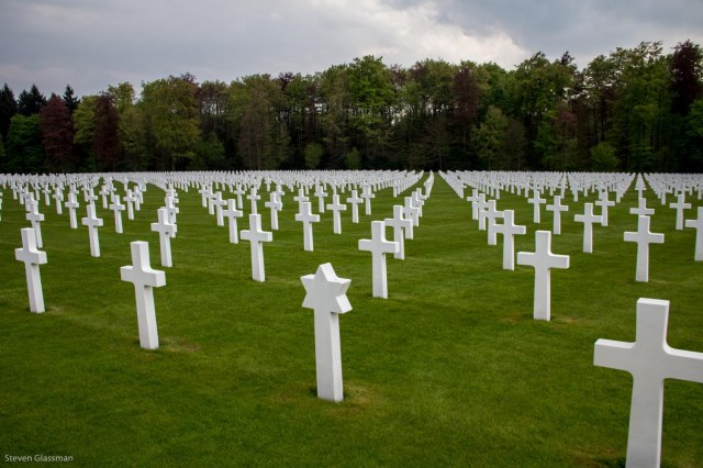 luxembourg-military-cemetery-3