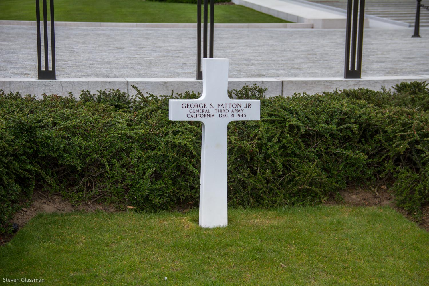 luxembourg-military-cemetery-4