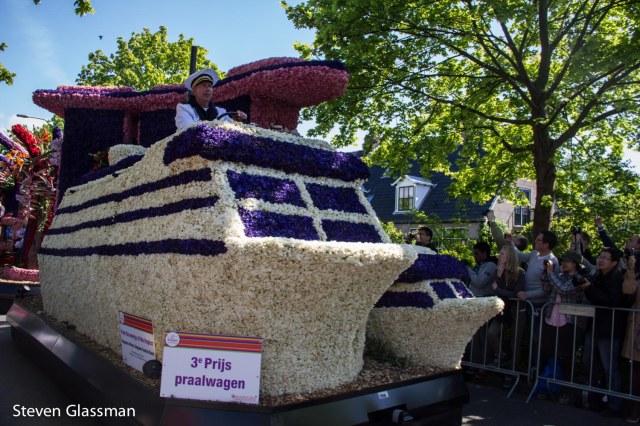 flower-parade-2