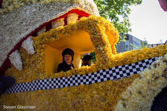 flower-parade-23