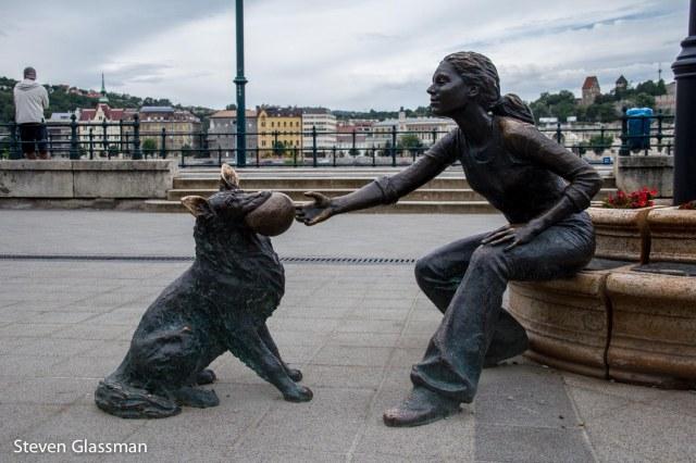 statuesofbudapest-3