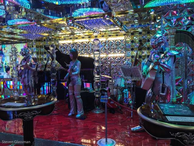 robot-cabaret-show-2