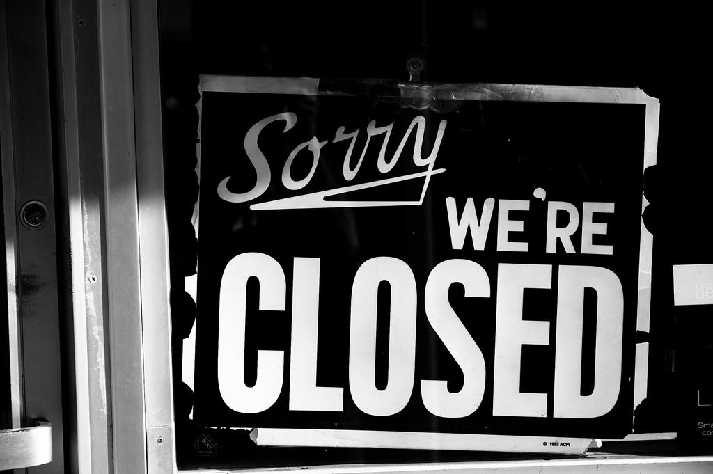 sorry-were-closed-tommaso-galll